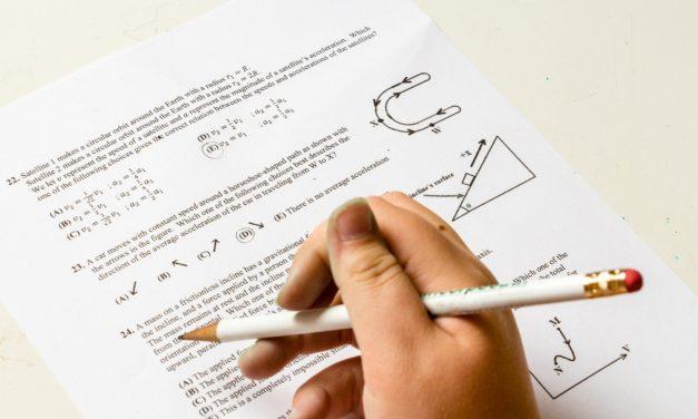 Wie kann ich mein Kind für Hausaufgaben motivieren?